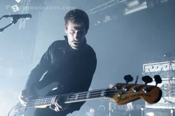A PLACE TO BURY STRANGERS - 2018-08-28 - PARIS - Petit Bain