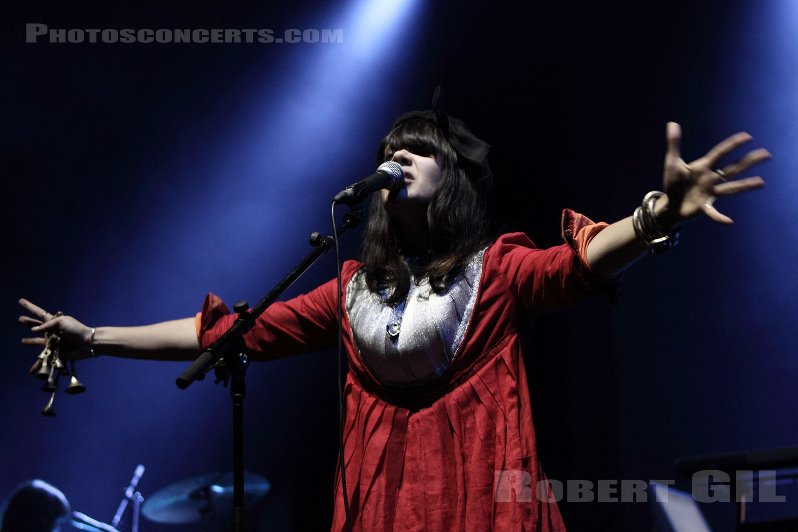 BAT FOR LASHES - 2009-11-04 - PARIS - Olympia