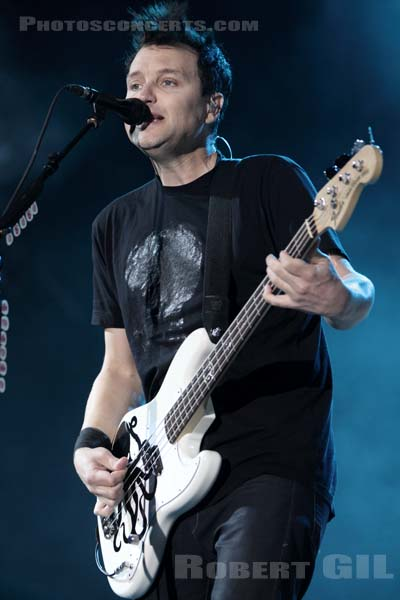 BLINK 182 - 2010-08-27 - SAINT CLOUD - Domaine National - Grande Scene