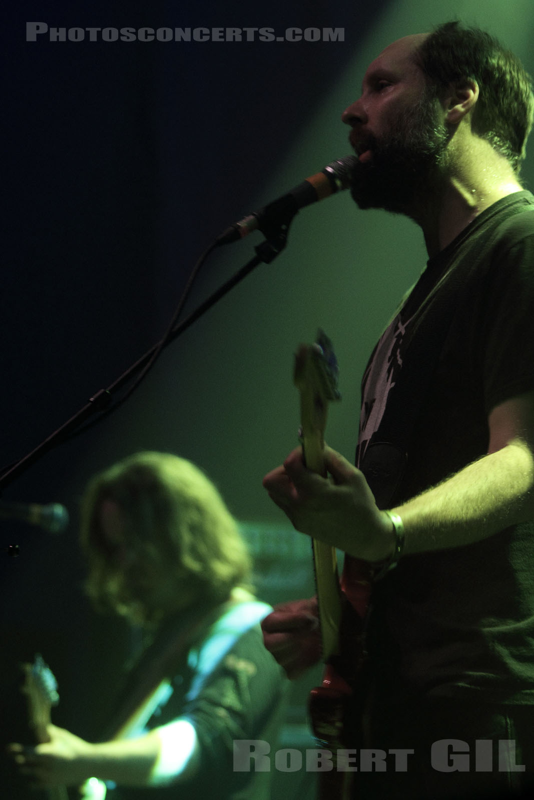 BUILT TO SPILL - 2010-05-23 - PARIS - La Machine (du Moulin Rouge)
