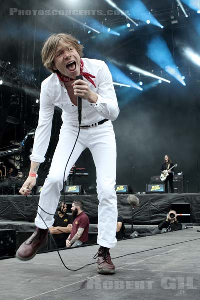 CAGE THE ELEPHANT - 2014-08-22 - SAINT CLOUD - Domaine National - Scene de la Cascade