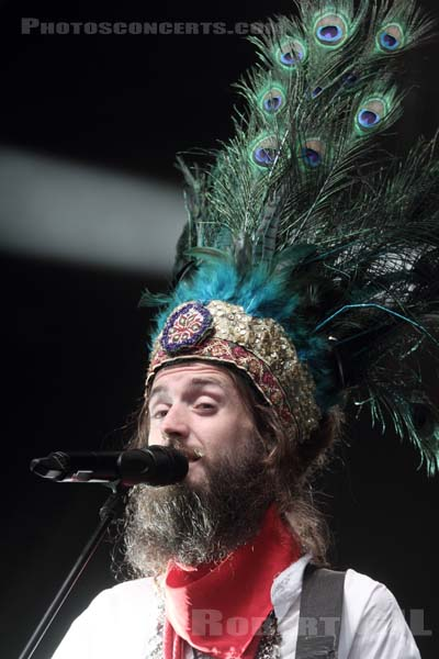 CRYSTAL FIGHTERS - 2014-08-22 - SAINT CLOUD - Domaine National - Scene de l'Industrie
