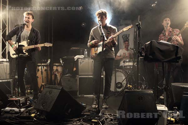 DAY WAVE - 2015-11-04 - PARIS - La Fleche d'Or