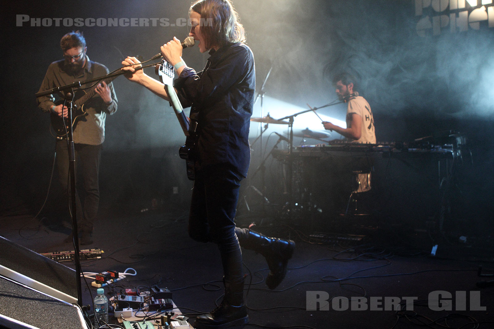 ESBEN AND THE WITCH - 2013-02-24 - PARIS - Point Ephemere