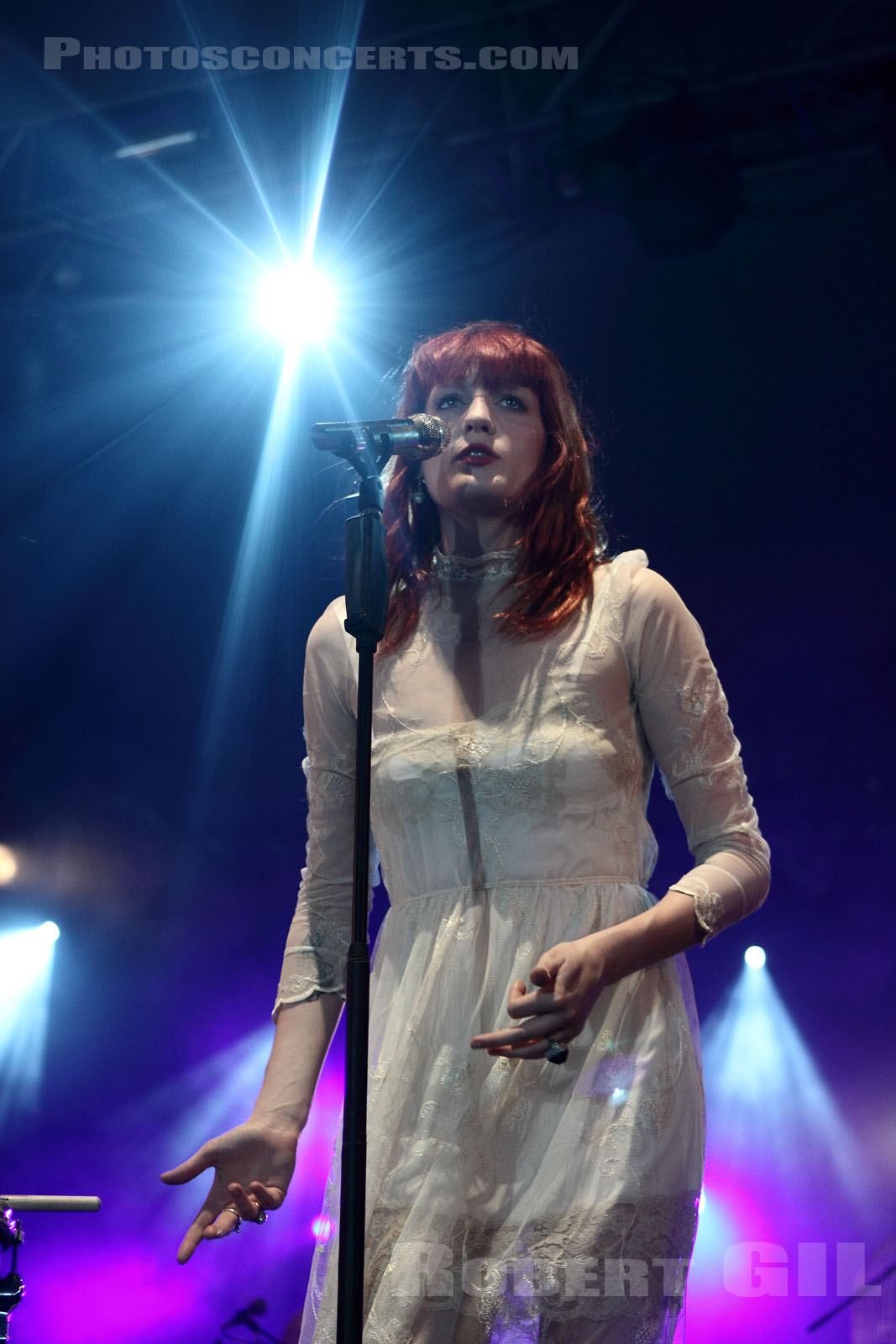 FLORENCE AND THE MACHINE - 2010-06-27 - PARIS - Hippodrome de Longchamp