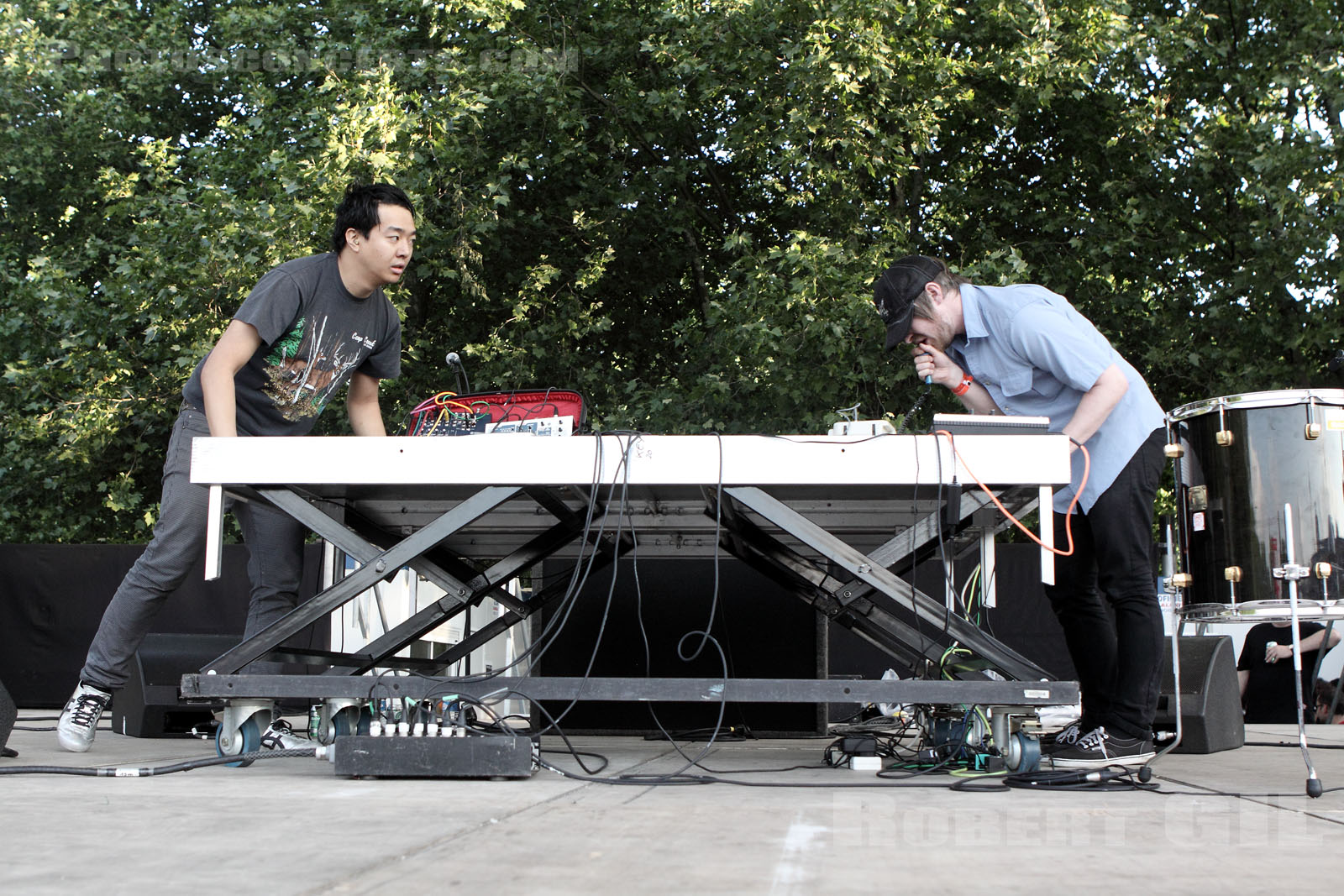FUCK BUTTONS - 2010-06-06 - PARIS - Parc de la Villette