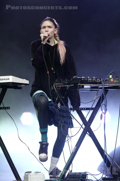 GRIMES - 2012-08-24 - SAINT CLOUD - Domaine National - Scene Pression Live