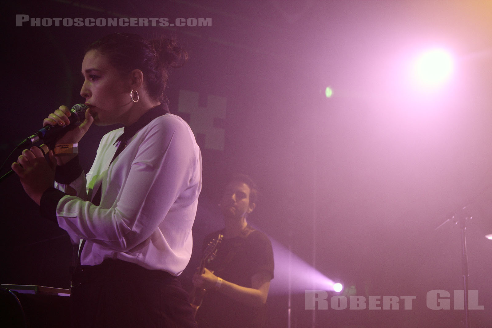 JESSIE WARE - 2012-02-25 - PARIS - Point Ephemere