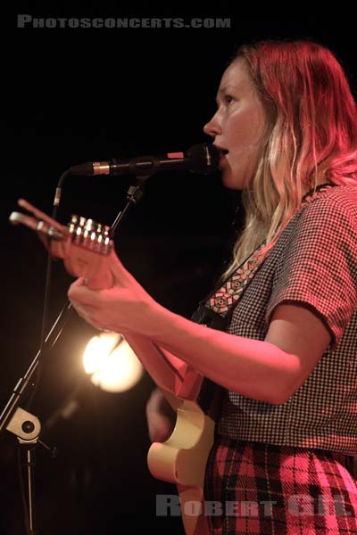 JULIA JACKLIN - 2017-02-21 - PARIS - Cafe de la Danse