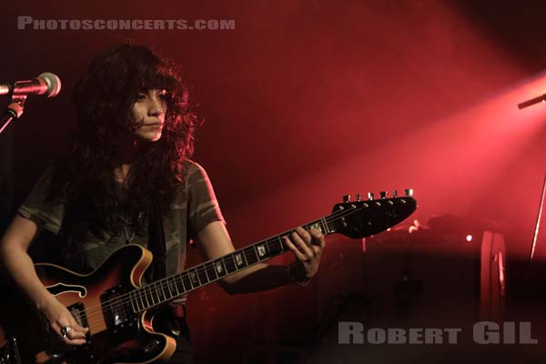 L.A. WITCH - 2017-03-04 - PARIS - Trabendo