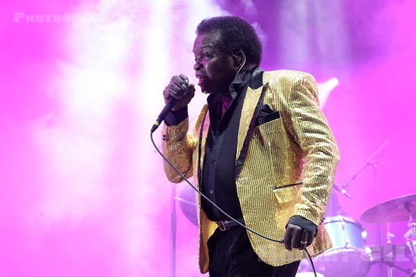 LEE FIELDS AND THE EXPRESSIONS - 2017-08-26 - SAINT CLOUD - Domaine National - Scene de la Cascade