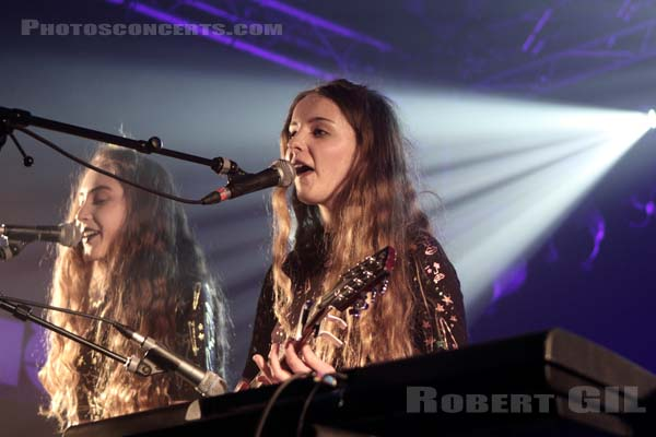 LET'S EAT GRANDMA - 2016-04-16 - PARIS - Point Ephemere