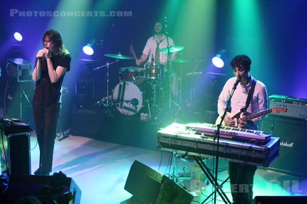LIARS - 2010-10-28 - PARIS - La Machine (du Moulin Rouge)