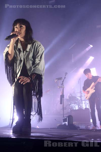 LILLY WOOD AND THE PRICK - 2016-07-02 - HEROUVILLE SAINT CLAIR - Chateau de Beauregard - Scene John