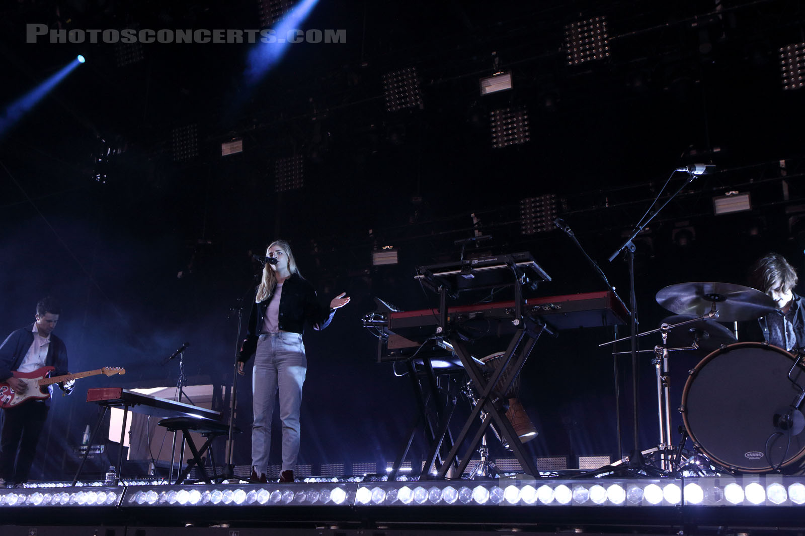 LONDON GRAMMAR - 2017-07-22 - PARIS - Hippodrome de Longchamp - Alternative Stage