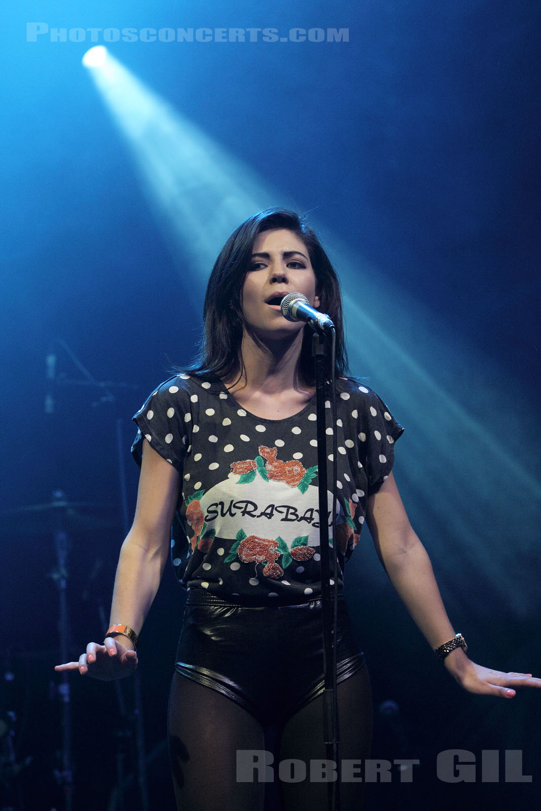 MARINA AND THE DIAMONDS - 2009-11-08 - PARIS - La Cigale