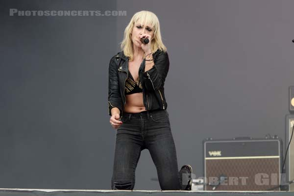 METRIC - 2019-07-20 - PARIS - Hippodrome de Longchamp - Main Stage 2