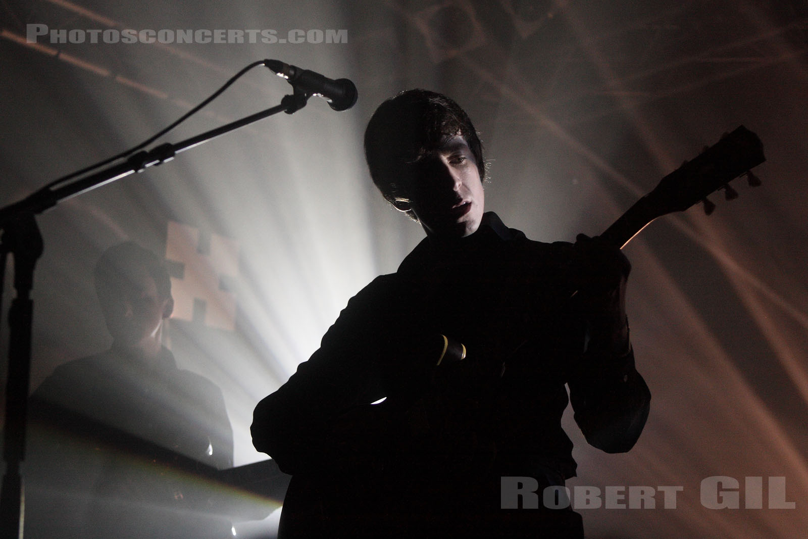 MILES KANE - 2011-03-23 - PARIS - Point Ephemere