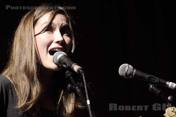 MINA TINDLE - 2011-11-03 - PARIS - La Cigale