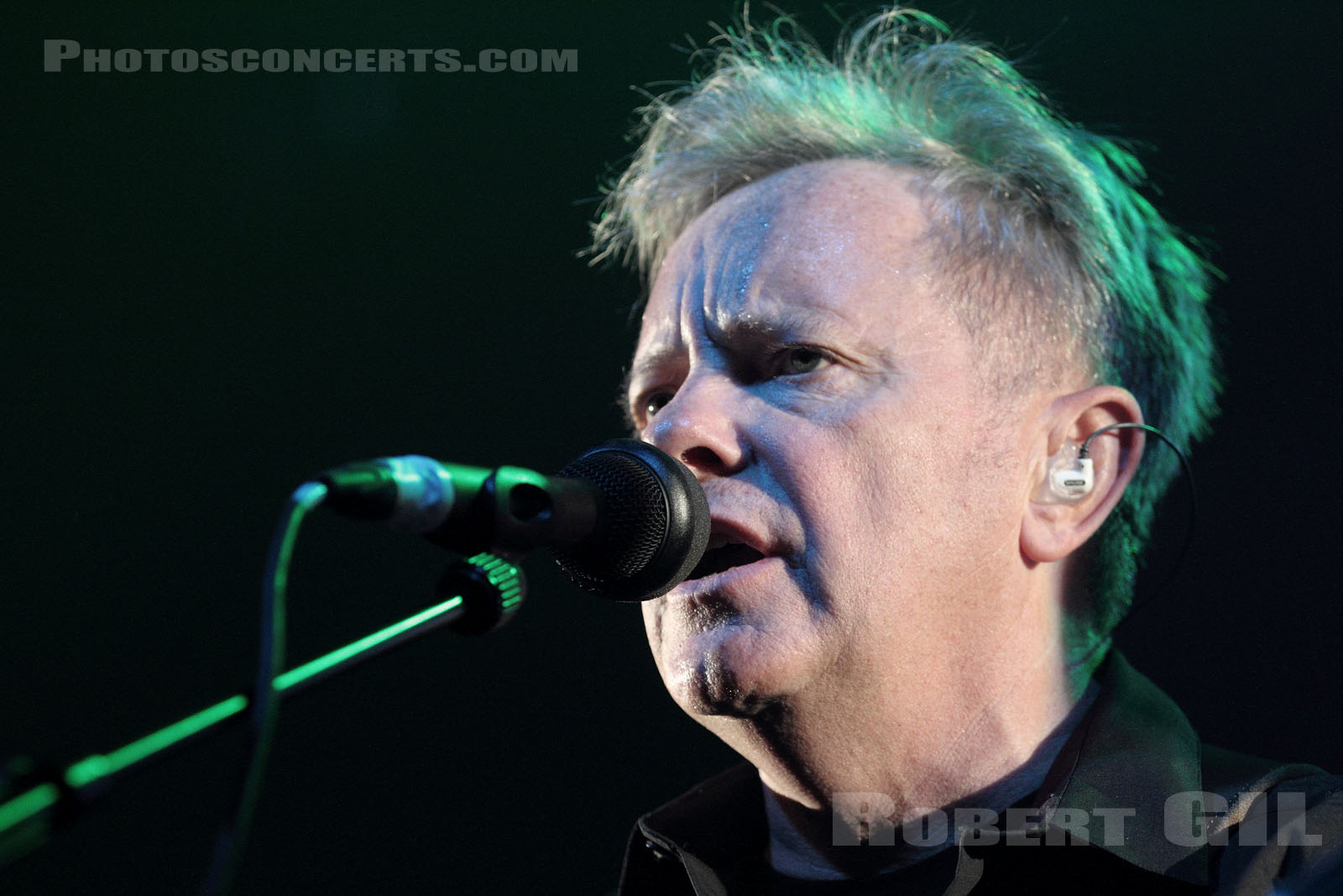 NEW ORDER - 2011-10-18 - PARIS - Le Bataclan