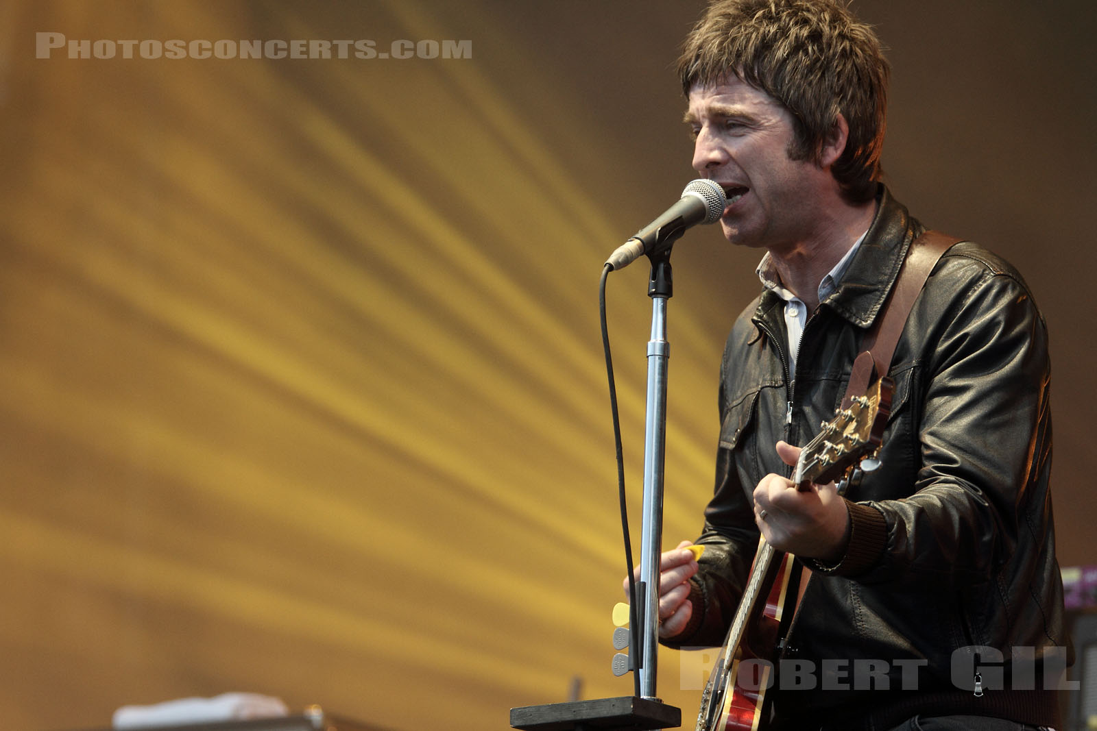 NOEL GALLAGHER'S HIGH FLYING BIRDS - 2012-08-25 - SAINT CLOUD - Domaine National - Grande Scene