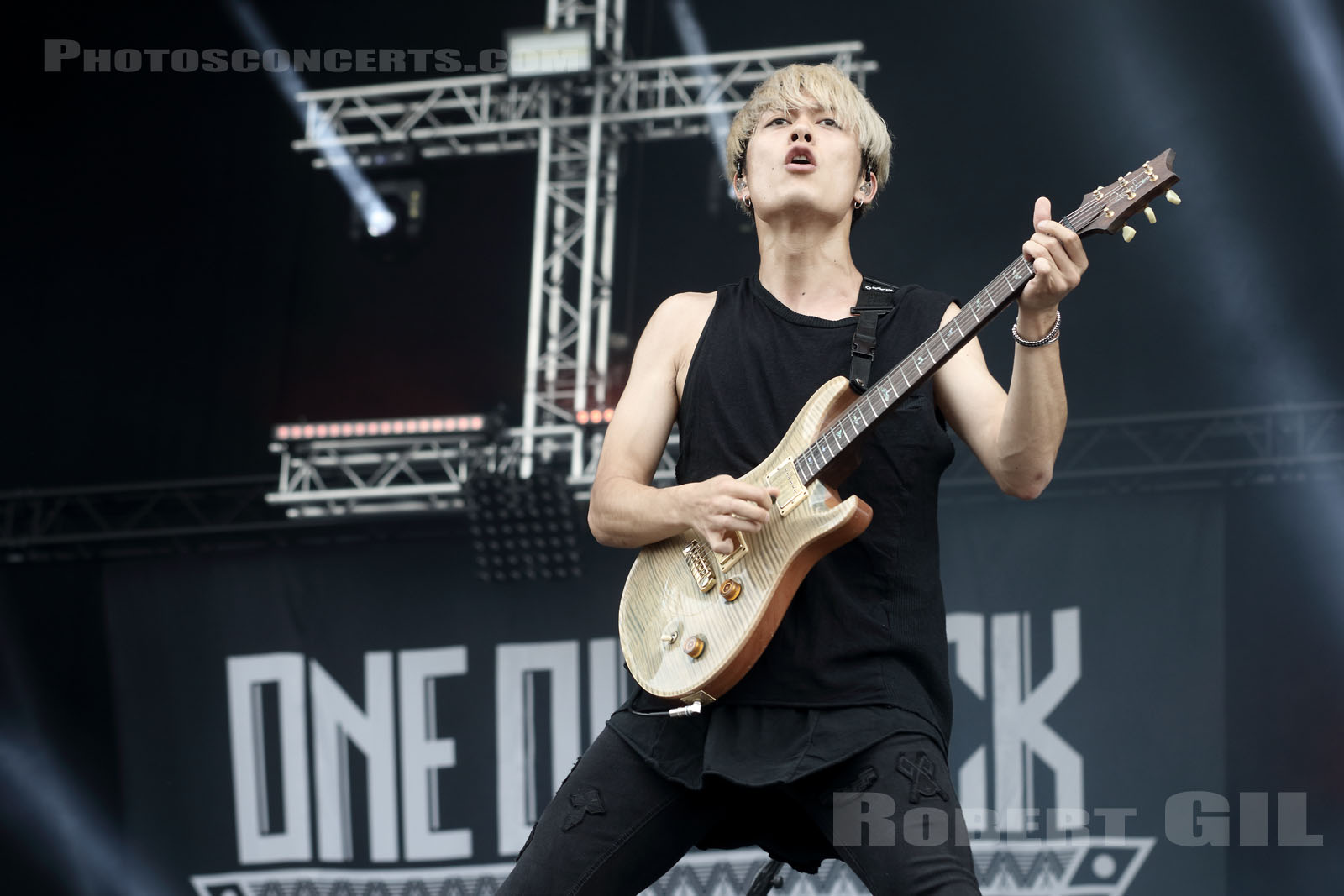 ONE OK ROCK - 2016-06-11 - PARIS - Hippodrome de Longchamp - Stage 2