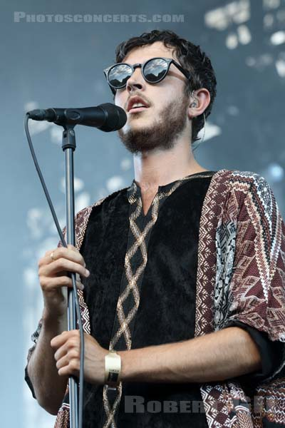 OSCAR AND THE WOLF - 2015-07-15 - PARIS - Parvis de l'Hotel de Ville
