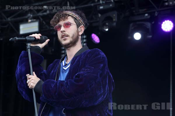 OSCAR AND THE WOLF - 2017-07-23 - PARIS - Hippodrome de Longchamp - Alternative Stage