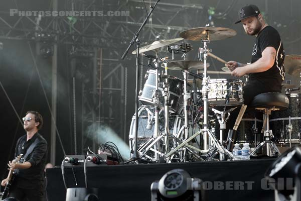 ROYAL BLOOD - 2015-07-03 - BELFORT - Presqu'ile du Malsaucy