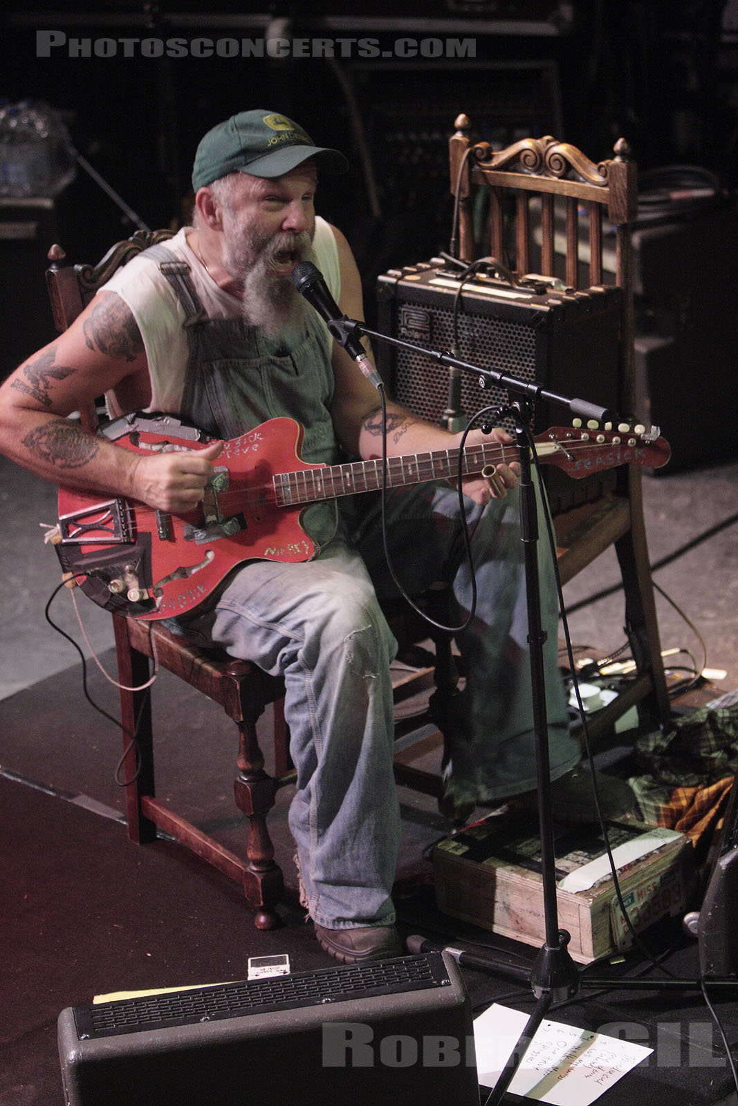 SEASICK STEVE - 2008-11-15 - PARIS - La Cigale