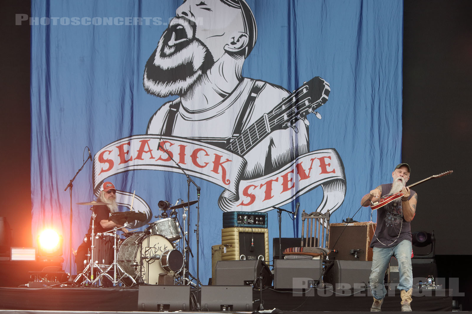 SEASICK STEVE - 2017-07-23 - PARIS - Hippodrome de Longchamp - Main Stage 2