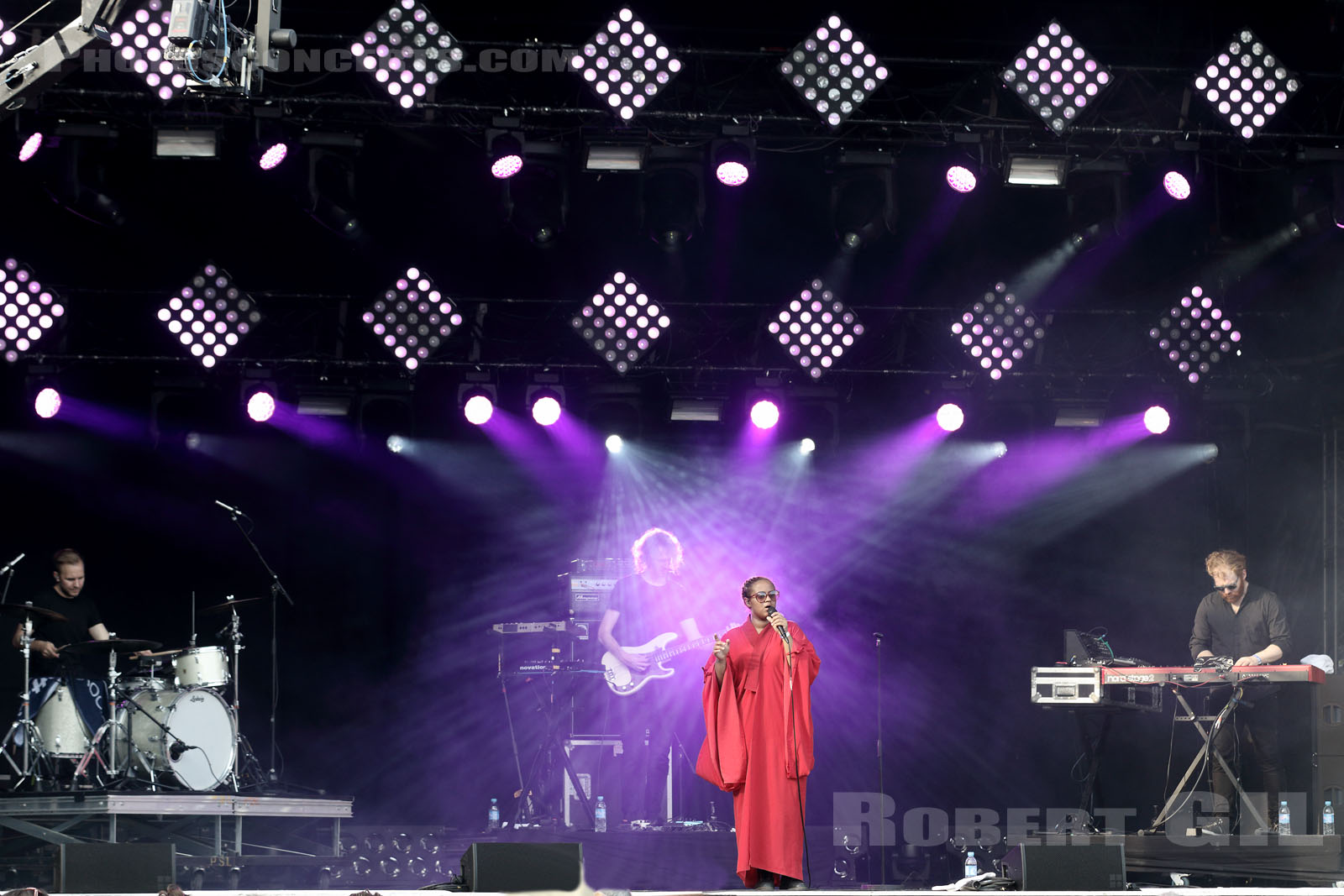 SEINABO SEY - 2015-08-30 - SAINT CLOUD - Domaine National - Scene de l'Industrie