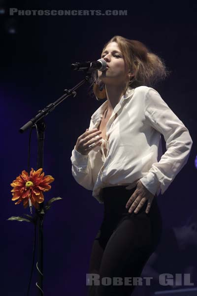SELAH SUE - 2016-06-25 - PARIS - Hippodrome de Longchamp - Paris
