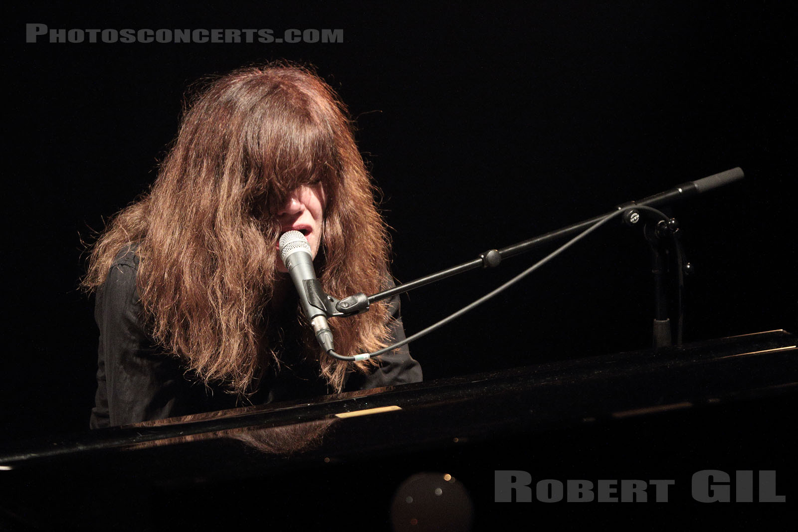 SHANNON WRIGHT - 2017-03-01 - PARIS - Cafe de la Danse