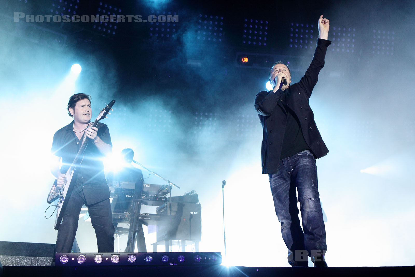 SIMPLE MINDS - 2010-09-11 - LA COURNEUVE - Parc Departemental - Grande Scene