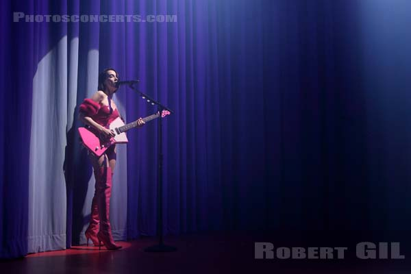 ST VINCENT - 2017-10-24 - PARIS - Le Trianon
