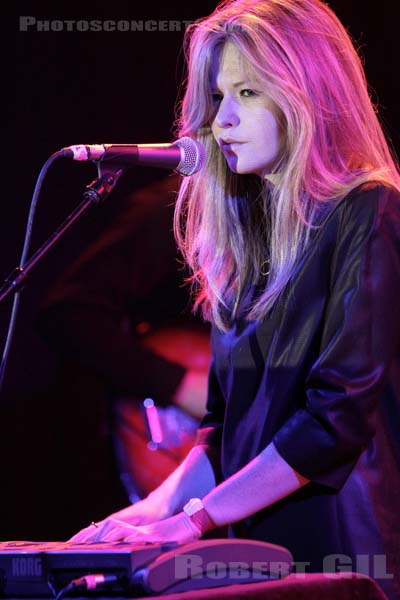 STILL CORNERS - 2012-03-26 - PARIS - Divan du Monde
