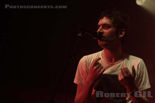 SUUNS - 2012-12-03 - PARIS - Point Ephemere