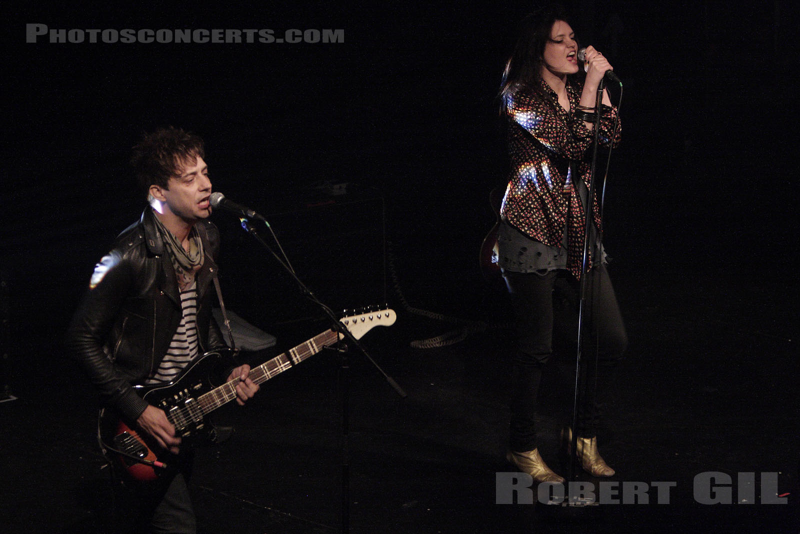 THE KILLS - 2008-10-28 - PARIS - Le Bataclan
