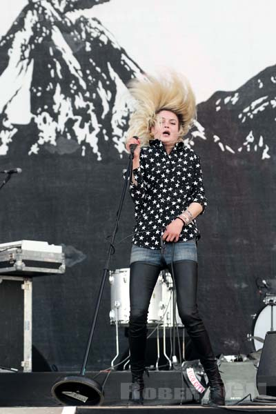 THE KILLS - 2018-06-24 - PARIS - Hippodrome de Longchamp - Paris