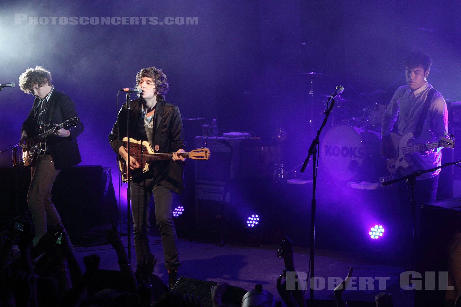 THE KOOKS - 2011-06-07 - PARIS - La Cigale