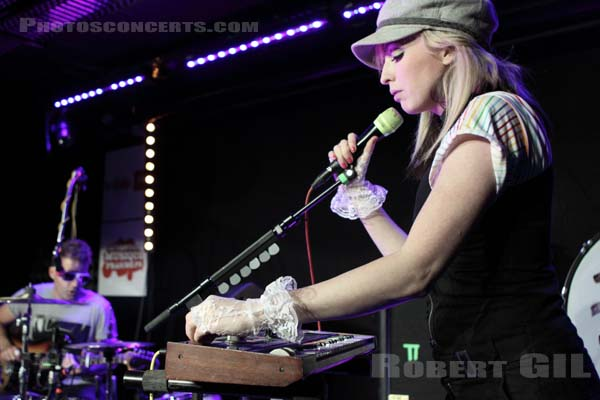 THE TING TINGS - 2009-05-11 - PARIS - Studio SFR
