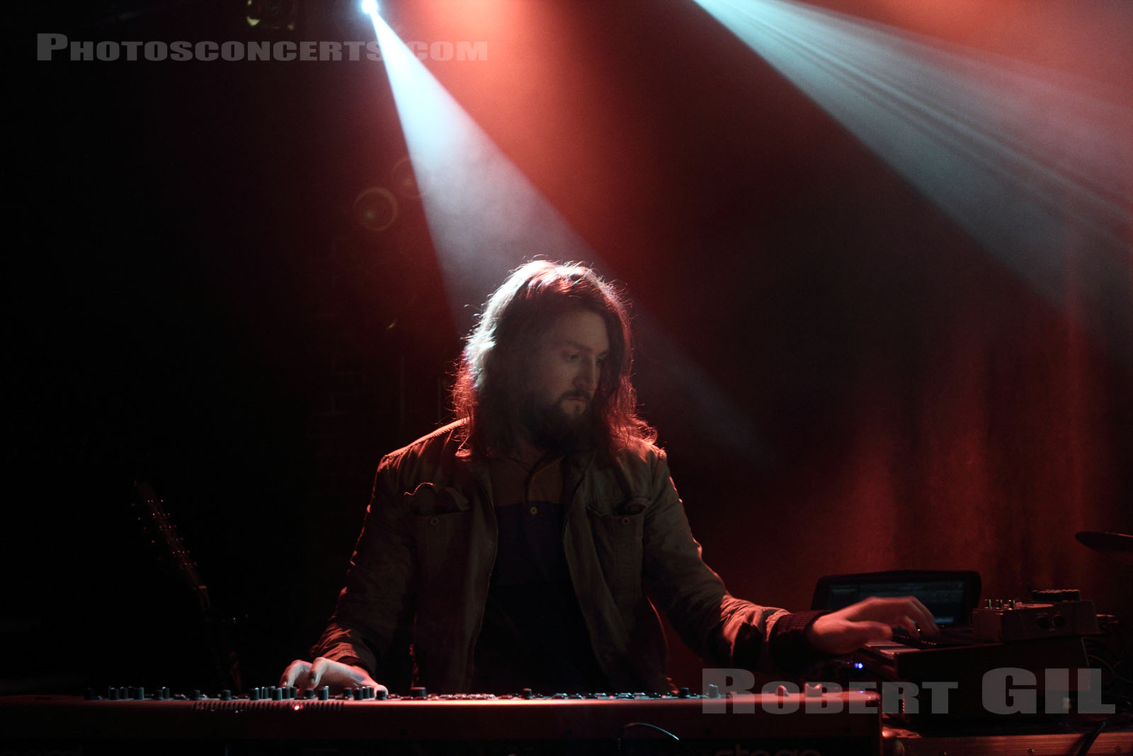 THE WAR ON DRUGS - 2012-02-21 - PARIS - La Maroquinerie