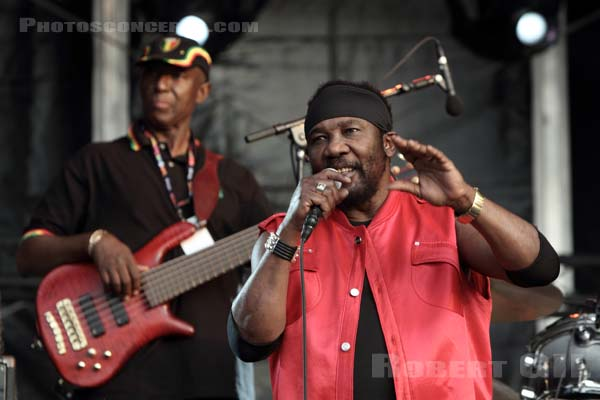 TOOTS AND THE MAYTALS - 2010-06-26 - PARIS - Hippodrome de Longchamp