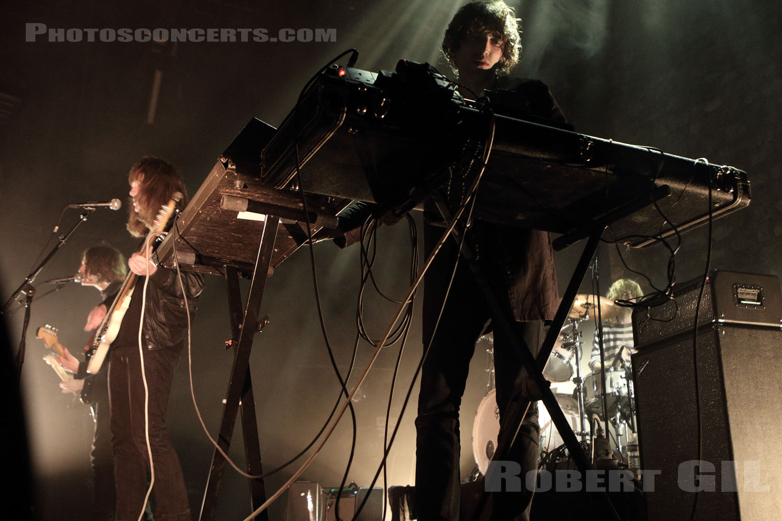 TOY - 2015-10-02 - PARIS - Cafe de la Danse