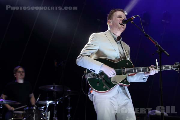TWO DOOR CINEMA CLUB - 2013-07-06 - BELFORT - Presqu'ile du Malsaucy