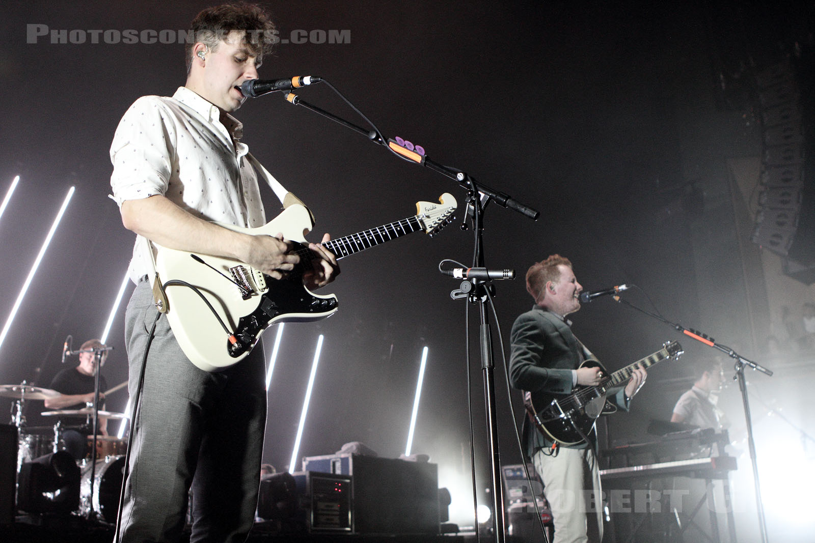 TWO DOOR CINEMA CLUB - 2013-07-09 - PARIS - Cite de la Musique