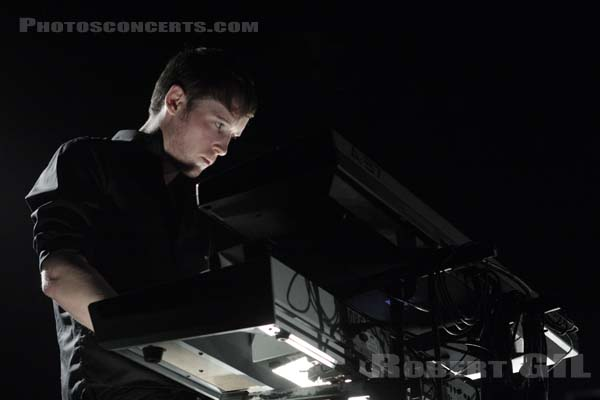 WHITE LIES - 2008-11-17 - PARIS - Zenith